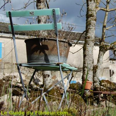 La chaise dans le jardin
