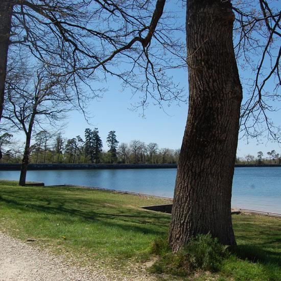Vue sur le lac Saint-Ferréol