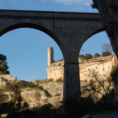 Photo du pont et de la candela à Minerve