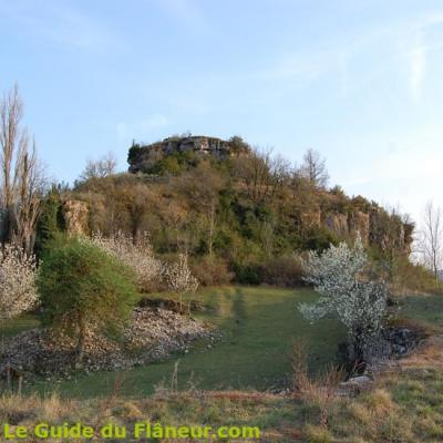 Le chemin du rocher du Caylus