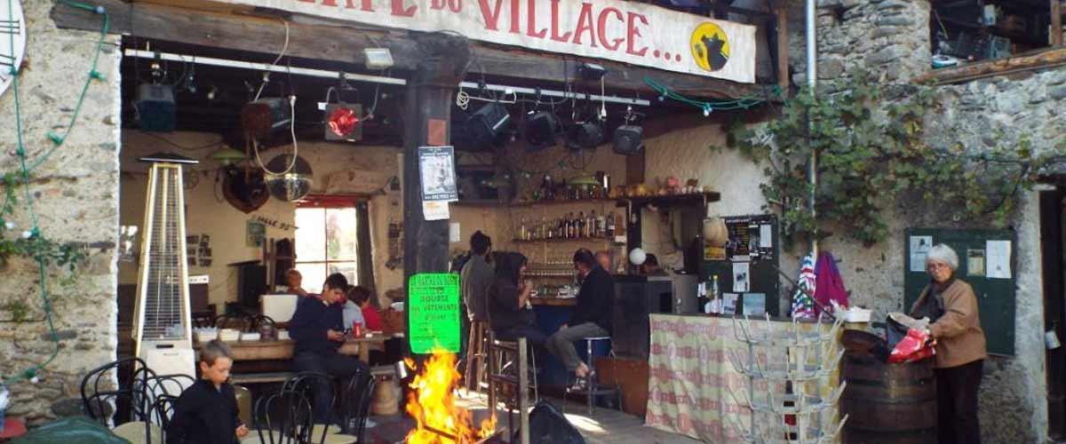Le café du village d'Anères