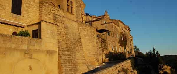 Le village de Castillon-du-Gard