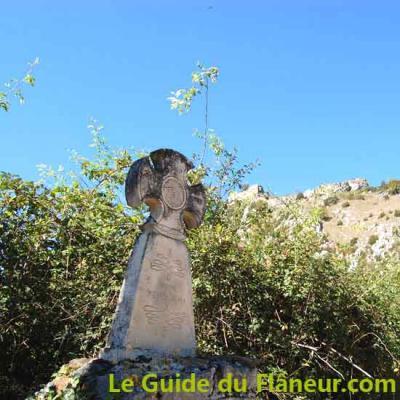 Croix pierre roquefixade