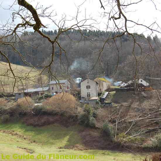 Un village fumant