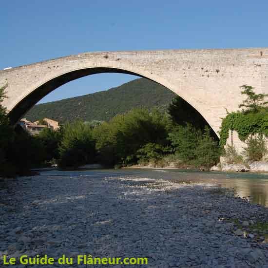 Présentation de Nyons dans la Drôme
