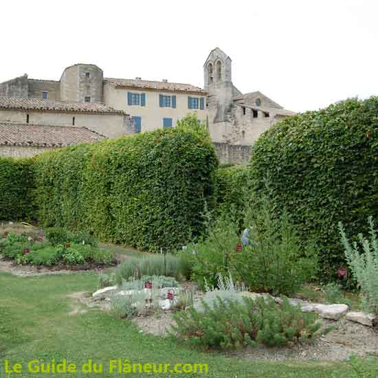 Visite du prieuré de Salagon à Mane