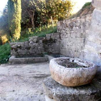 Une fontaine de Roumengoux