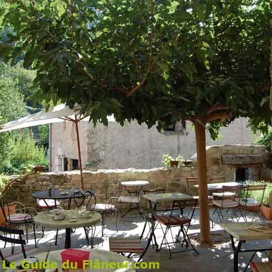 Salon de thé à Saint-Guilhem le Désert