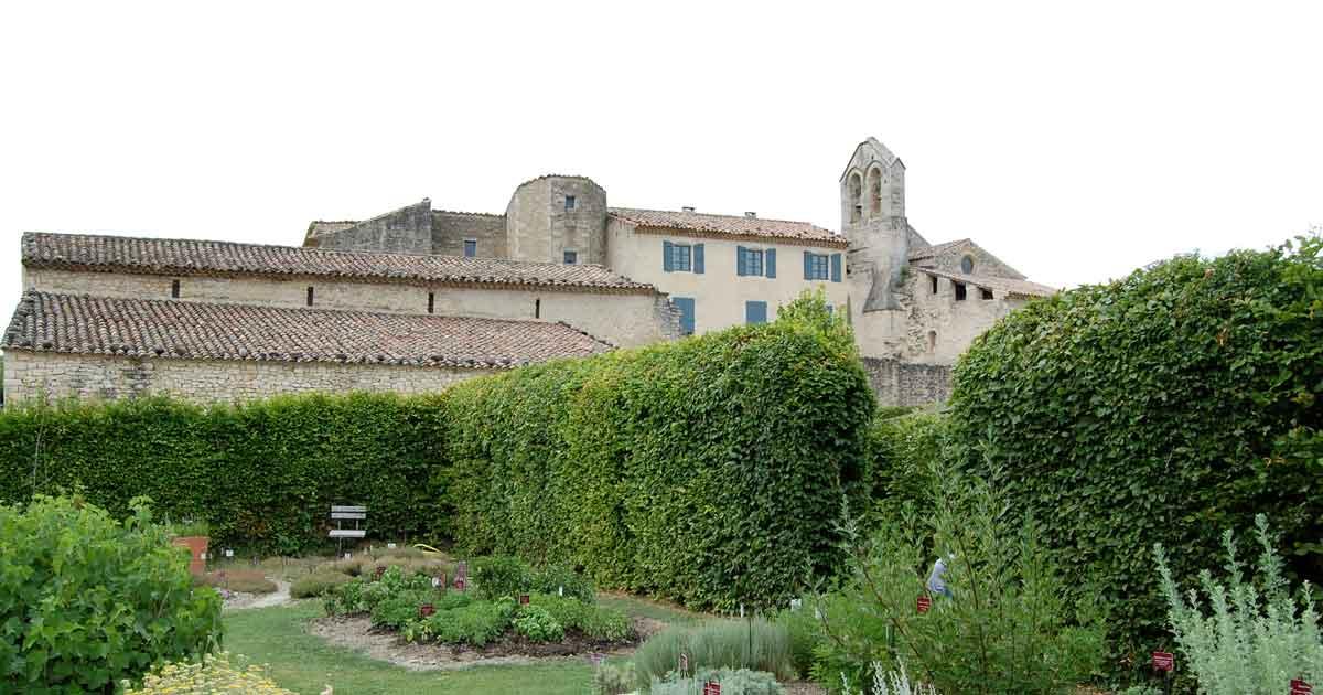 Visite du prieuré de Salagon