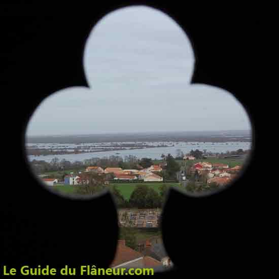 Visiter Sainte-Lumine de Coutais