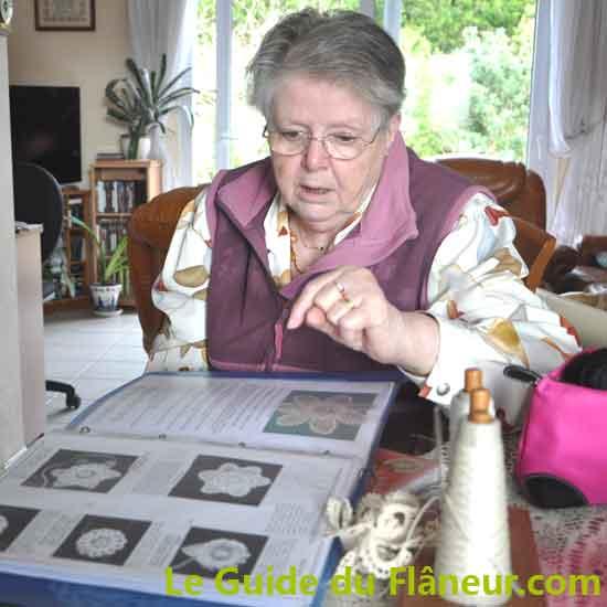Yolande dentellière à Lesconil - Finistère