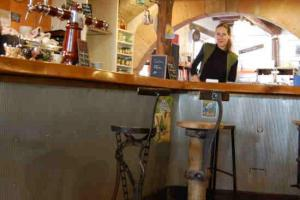 Initiatives cafe plum lautrec 2