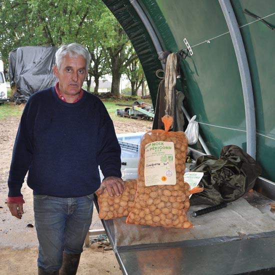Jean-Louis Tronche producteur de noix