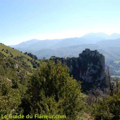 Panorama sur Roquefixade et les Pyrénées