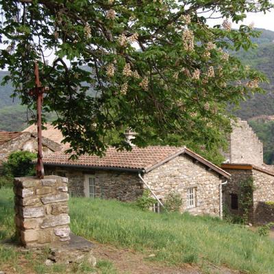 Photo du village d'Olargues dans l'Hérault