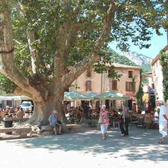 Place de la libertè à Saint-Guilhem-le-Désert