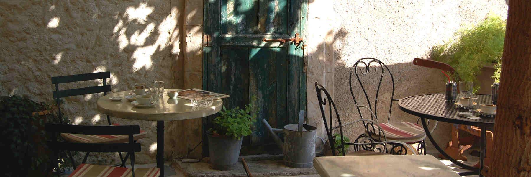 Salon de thé Le Village d'Antan commerce à Saint-Guilhem